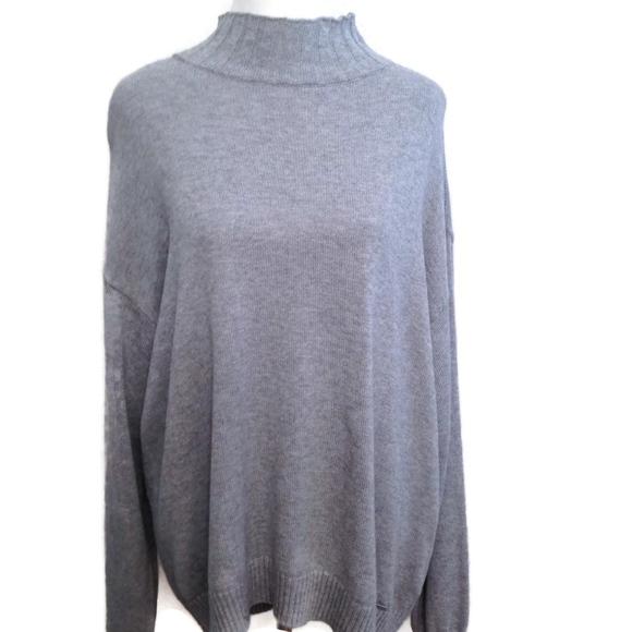 af8517c0d0b Michael Kors Sweater XL Gray Women s Turtleneck